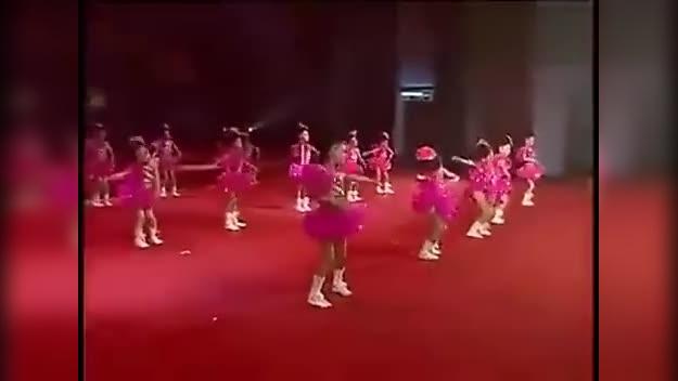 幼儿甩葱舞教学视频_小荷风采幼儿舞蹈《为我鼓掌》《甩葱歌》-原创视频-搜狐视频