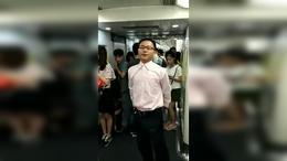 巴马集团欧阳葰地铁上演说自我突破