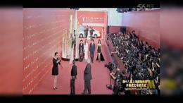 《宅女侦探桂香》剧组亮相上影节红毯