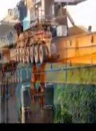 中国桥梁架设技术,老外无法理解820吨箱梁就这样被安装好!