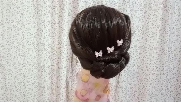 适合50岁女人的精致盘发,简单易编显气质