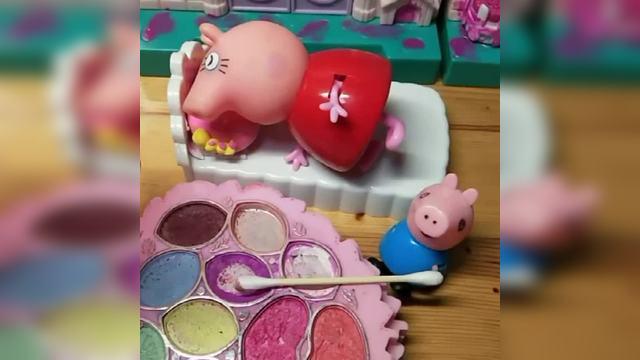 乔治看到猪妈妈睡着了,于是开始给妈妈化妆,这样的猪妈妈漂亮吗