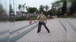 张凤英:传统木兰剑