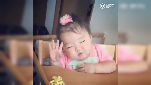 安全合法赴美生子 宝宝好困,吃着东西就睡着了