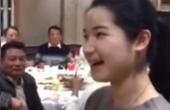 这美女唱浙江越剧真不错,小姑娘老有才了!