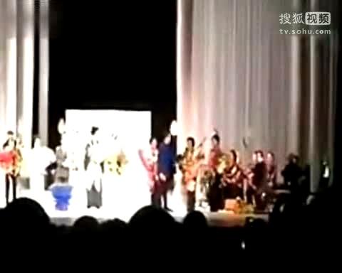 于丹北大被轰视频_于丹北京大学谈昆曲被轰下台现场视频曝光.-娱乐视频-搜狐视频