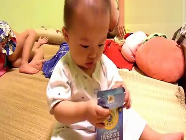 女宝宝尿裤子尿床在线播放网,视频高清在线观看-搞笑视频-搜狐视频