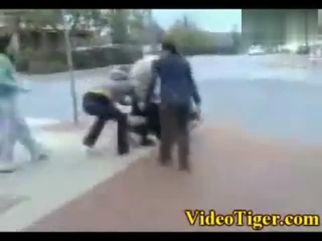 国外女子打架视频_女生打架-实拍外国最疯狂的女子斗殴- 视频-体育视频-搜狐视频