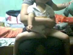 我最可爱的小弟洗澡-搞笑视频-搜狐视频