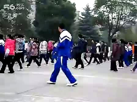 最炫民族风搞笑舞_晨操 最炫民族风-最雷人广播体操-舞蹈视频-搜狐视频