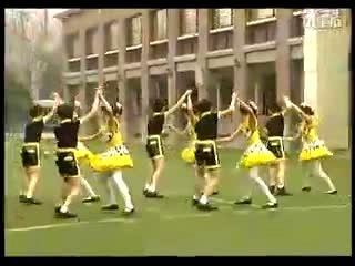美国校园青春喜剧片_第一套小学生 校园集体舞《阳光校园 》-舞蹈视频-搜狐视频
