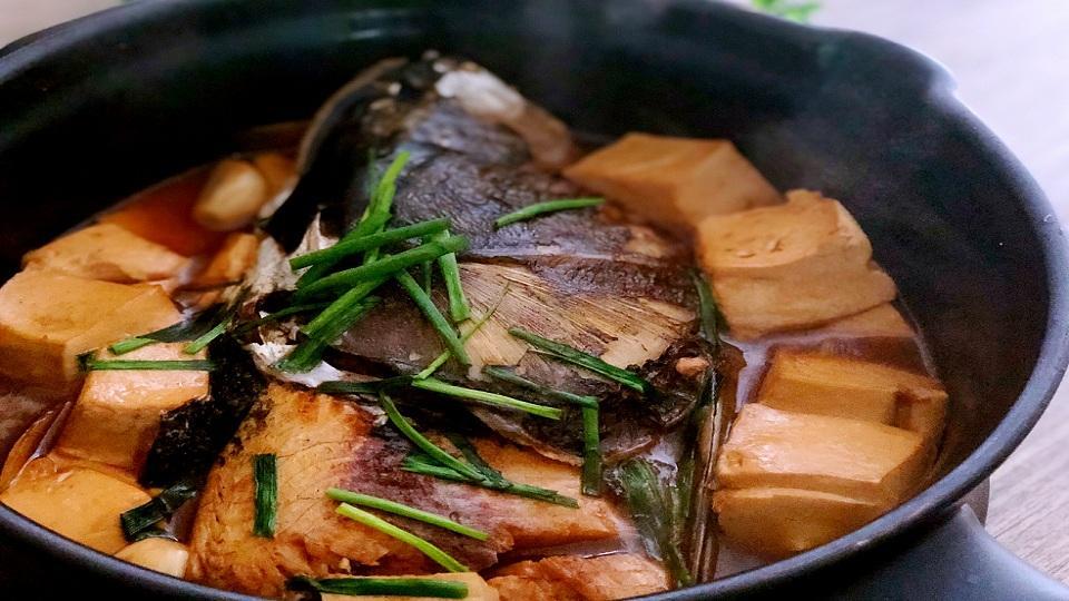 汤美电子_砂锅鱼头豆腐汤,延缓脑力衰退-做饭视频-搜狐视频